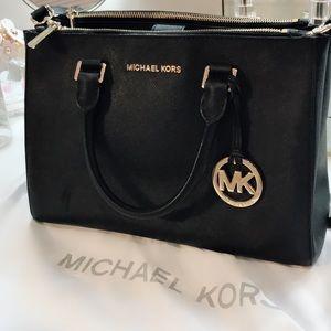 Authentic Michael kors medium  Sutton satchel